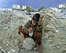 gaza-destruction-boy-400x325