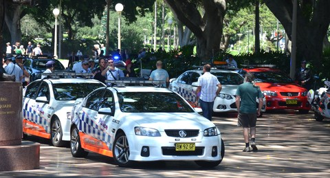Scores+of+police+vehicles+at+Hyde+Park+11