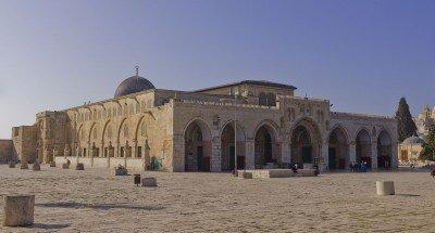 Israel-2013-Jerusalem-Temple_Mount-Al-Aqsa_Mosque_NE_exposure1-400x215