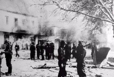 Distomo_massacre_1944-400x271