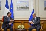 Francois_Hollande_and_Vladimir_Putin_Moscow_6_dec_2014_-_03-400x267