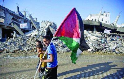 Gaza-kids-and-flag-May-15-400x255