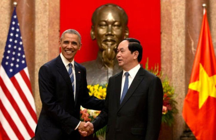 Obama-in-Vietnam-e1469075601207