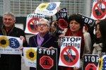23.07.15-stop-fracking-590x393-400x266