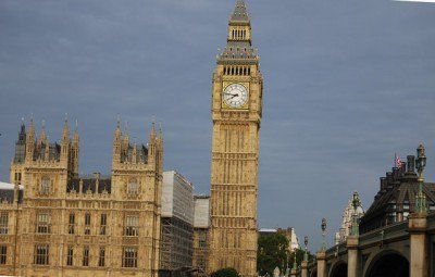 england-parliment-400x255