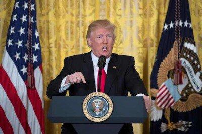 trump-versus-press-400x266