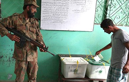pakistan-election-military